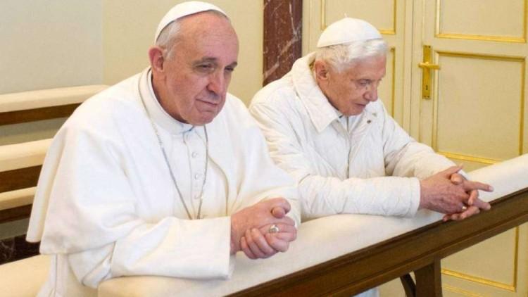 Due papi: l'uomo e il suo doppio