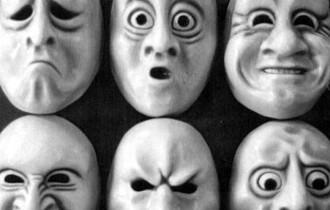 Emozioni: nei momenti di crisi esistenziale a farci rinascere è la tristezza
